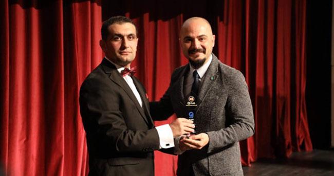 Yazarımıza yılın en iyi eğitim programı ödülü