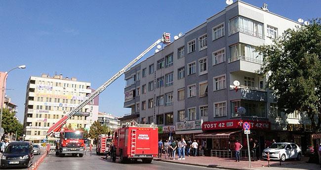 Konya'da apartmanda baca yangını! Büyümeden söndürüldü