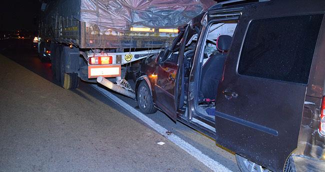 Konya'da hafif ticari araç ile tır çarpıştı: 1 ölü, 1 yaralı