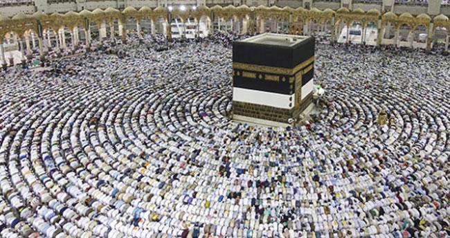 Suudi Arabistan'dan umre ziyaretine ek vergi