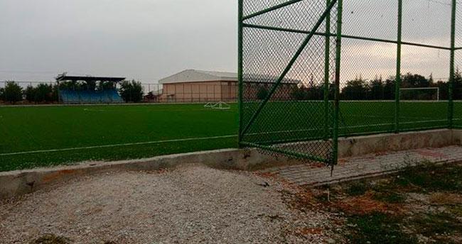 Konya'da top oynayan çocuğa yıldırım çarptı