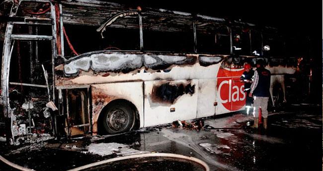 Aksaray- Konya kara yolunda yolcu otobüsü yandı