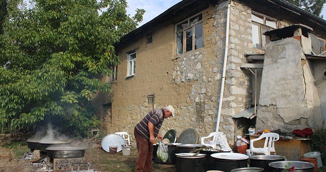 Konya'da bağ bozumu: Pekmez kazanları kaynamaya başladı.