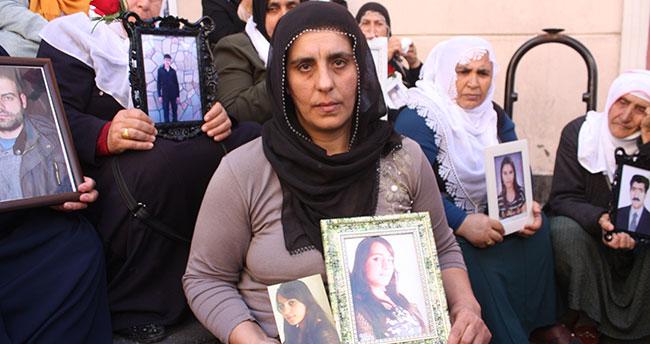 Konyalı anne Diyarbakır'da HDP önündeki eyleme katıldı