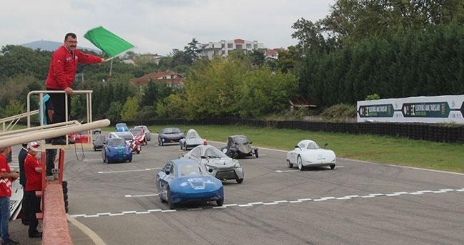 Elektrikli araç yarışlarında Konya Teknik Üniversitesi'ne ödül