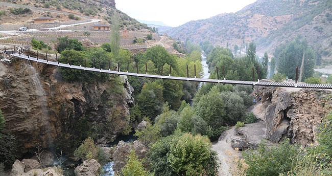 Yerköprü Şelalesi'ne asma köprü kuruluyor