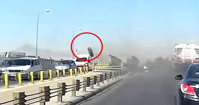 Konya'da seyir halindeki kamyonun tekerleği araçların üzerine fırladı