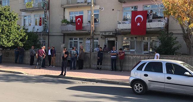 Konyalı Şehidin evine Türk bayrağı asıldı
