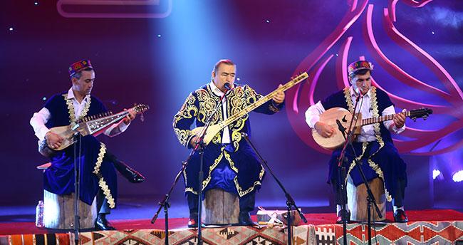 16. Konya Uluslararası Mistik Müzik Festivali'nde Davlatmand Kholov sahne aldı