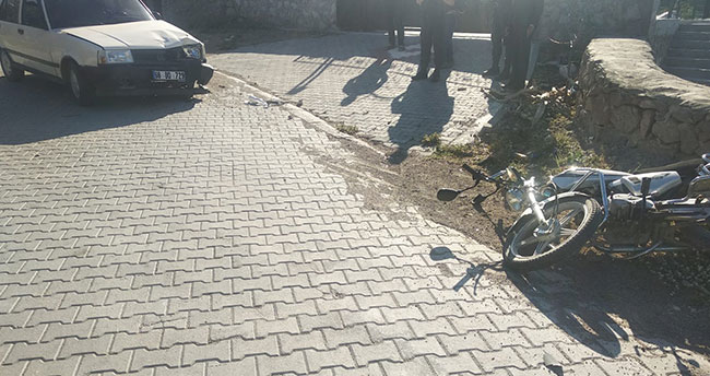 Aksaray'da otomobilin çarptığı motosiklet sürücüsü öldü