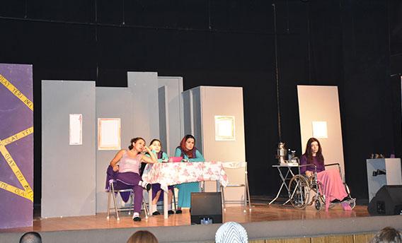 Kadına yönelik şiddeti tiyatro oyunuyla anlattılar