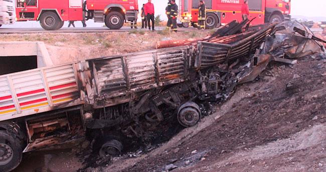 Konya'da tır yandı:1 Ölü