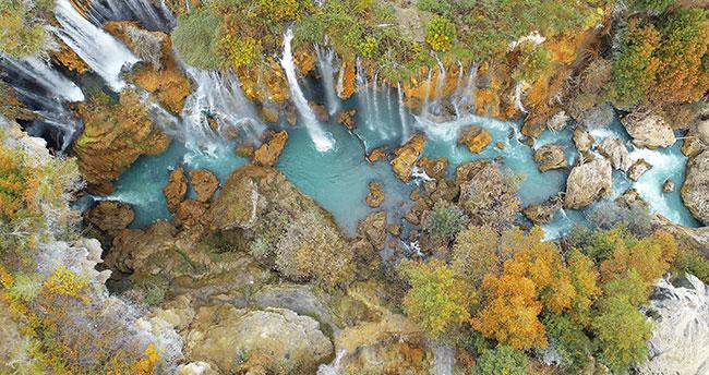 Konya'daki Göksu Şelalesi'nde sonbahar güzelliği