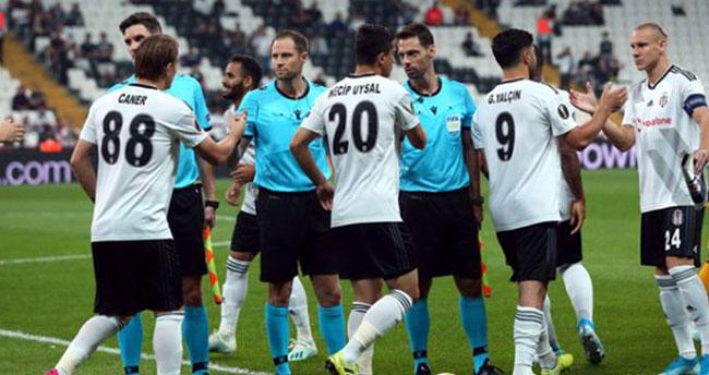 Beşiktaş'ta Güven Yalçın, oyuna devam edemedi!