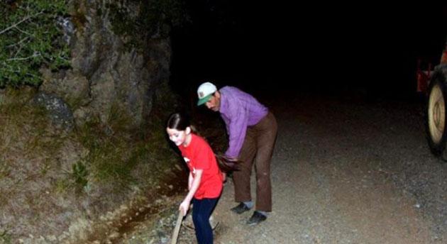 Haluk Levent, kızı için yol yapan babanın imdadına yetişti
