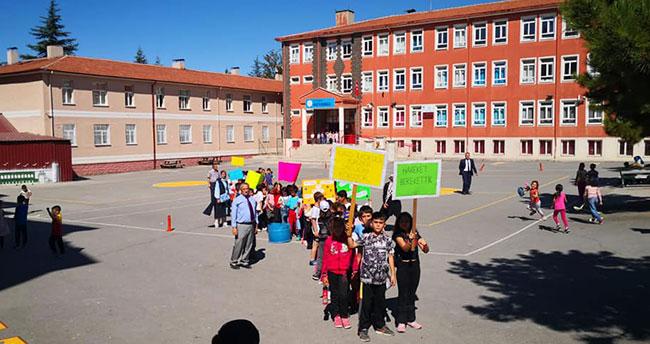Beyşehir'de öğrenciler sağlık için yürüdü