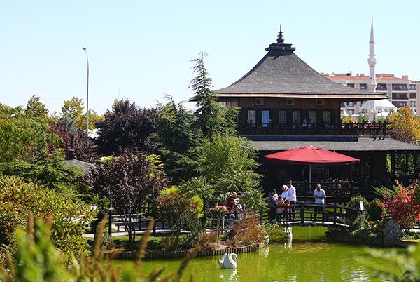 Konya'daki bu park, Japonya'daymış hissi uyandırıyor