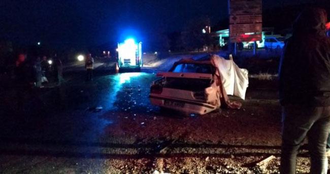 Bursa'da iki otomobilin çarpışması sonucu 2 kişi öldü, 2 kişi yaralandı