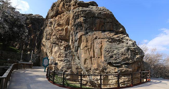 Konya'daki İvriz Kaya Anıtı ziyaretçileri cezbediyor