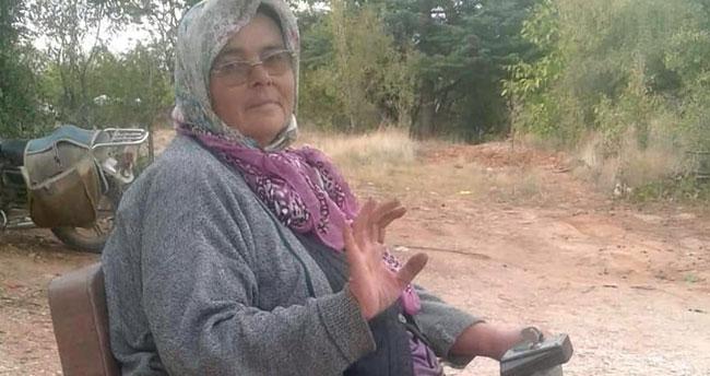 Konya'da engelli annenin akülü araba sevinci