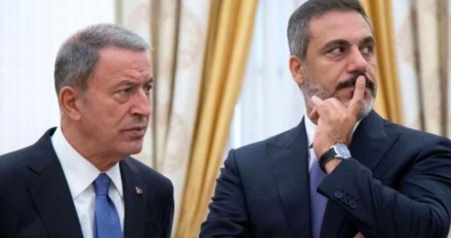 Cumhurbaşkanı Erdoğan ve Putin'in bir araya geldiği toplantıya Akar ile Fidan'ın gülümsemesi damga vurdu