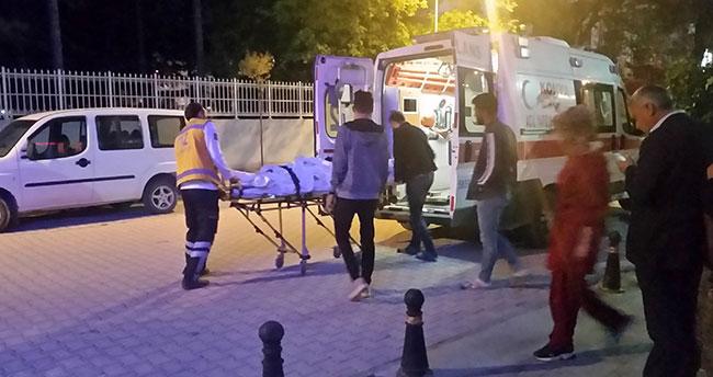 Konya'da sürücü askıda kalan traktörün dönen tekerine takılarak yaralandı