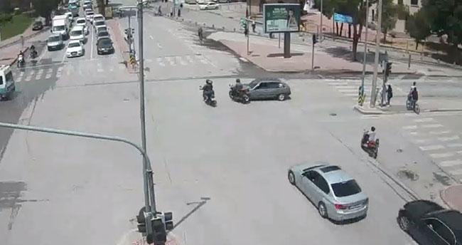 Konya'daki kazalar şehir polis kameralarında! Kırmızı ışık…