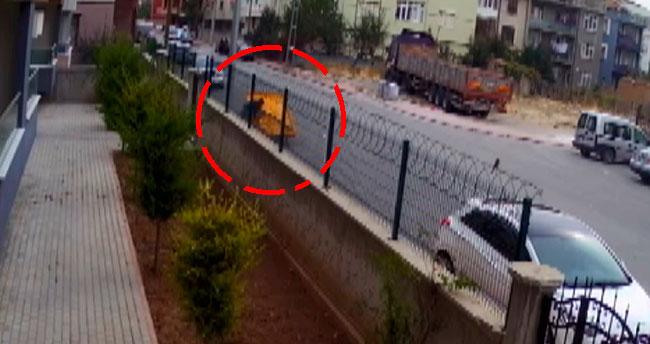 Konya'da yaşanan hırsızlık olayı şaşırttı! Apartmanın demir kapısını söküp götürdü