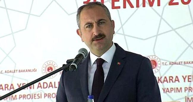 Adalet Bakanı Abdülhamit Gül'den avukatlara güzel haber: Avukatlar bürolarından duruşmaya katılabilecek