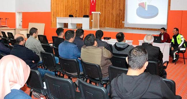Konya Kulu'da okullarda trafik kuralları anlatıldı