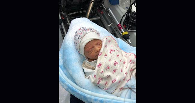 Konya'da çöp konteynerinde bir haftalık bebek bulundu