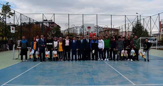 Konya'da ÇOGEP Tenis Turnuvası