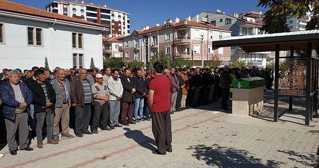 Karaman'da babası tarafından bıçaklanan genç 3 gün sonra hayatını kaybetti