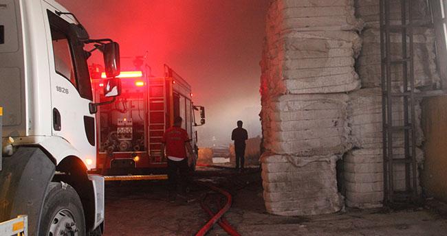 Çırçır fabrikasında korkutan yangın: Tonlarca pamuk kül oldu