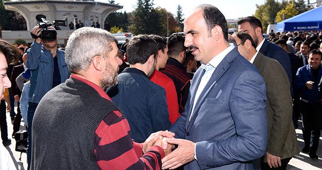 Başkan Altay Kampüs Camii'nde öğrencilerle buluştu