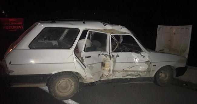 Konya'da iki otomobil çarpıştı: 5 yaralı!