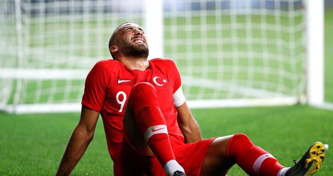 Cenk Tosun, İzlanda maçında forma giyemeyecek!