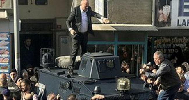 Pendik'ta polis özel harekat zanlıyı öfkeli kalabalığın linç girişiminden zor kurtardı