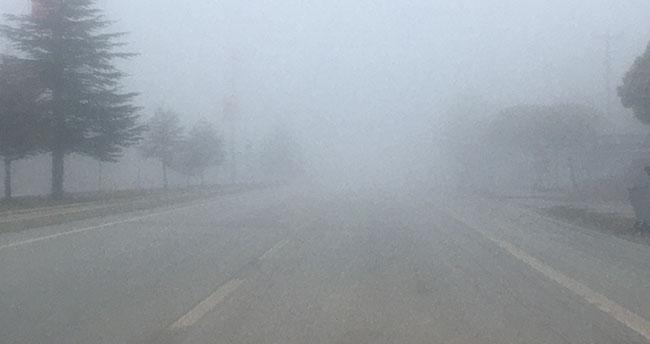 Konya-Ankara kara yolundaki sisli hava 3 gündür etkili oluyor