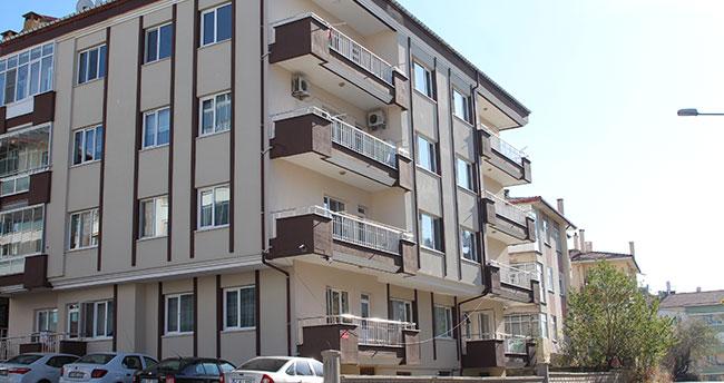 Konya'da 4 katlı apartmanın çatısından düşen kişi hayatını kaybetti