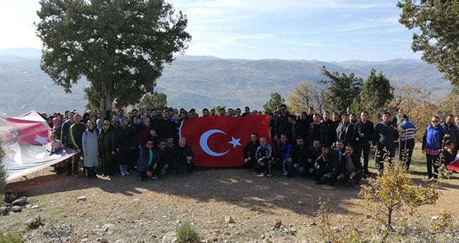 Konya'da öğretmenler Sivri Dağı'na tırmandı