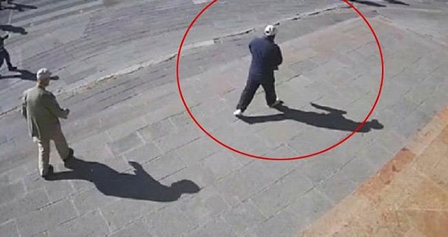 Ankara'da yere düşen yaşlı adamın parasını çaldı