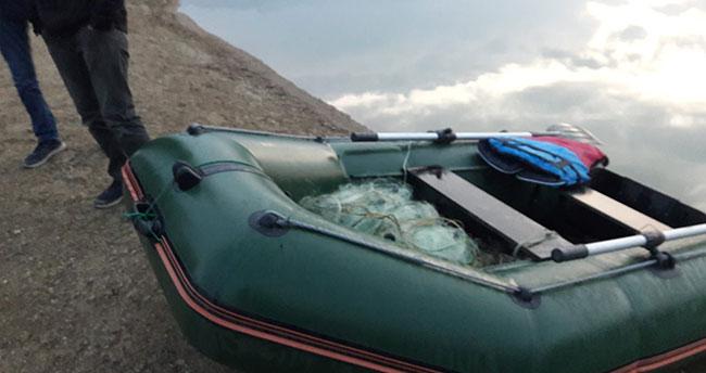 Konya'da gölette kaçak avlanmayla mücadele: Çok sayıda sahipsiz balıkçı ağı ele geçirildi