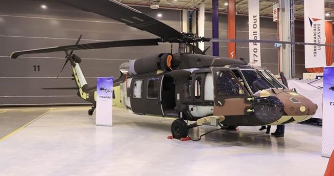 T-70 helikopteri ilk kez hangardan çıktı .