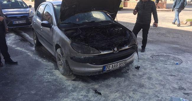 Karaman'da alev alan otomobil, kısa sürede söndürüldü