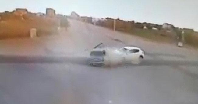Konya'da dehşet anı! İki otomobilin çarpışma anı kamerada