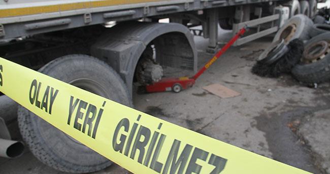 Konya'da bir işçi tamir ettiği kamyon lastiği patlayınca yaralandı