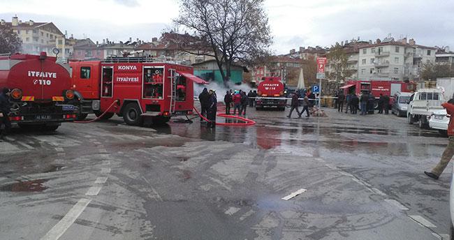 Konya'da sebze halinde yangın paniği