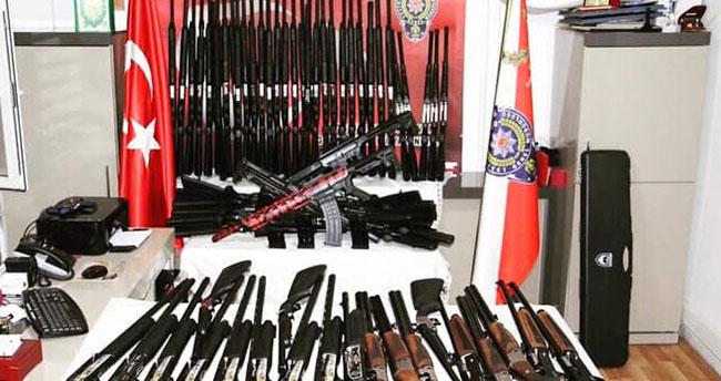Konya'da bir araçta 78 adet tüfek bulundu