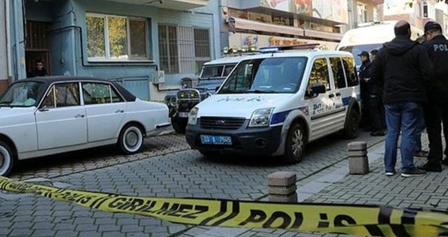 Denizli'de vahşet! İki ev arkadaşını boğazından bıçaklayıp öldürdü